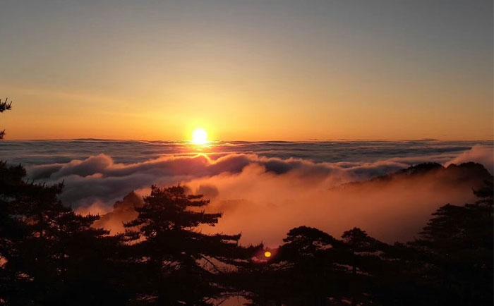 黄山旅游究竟有没有必要住山上?只需注意这几个方面!